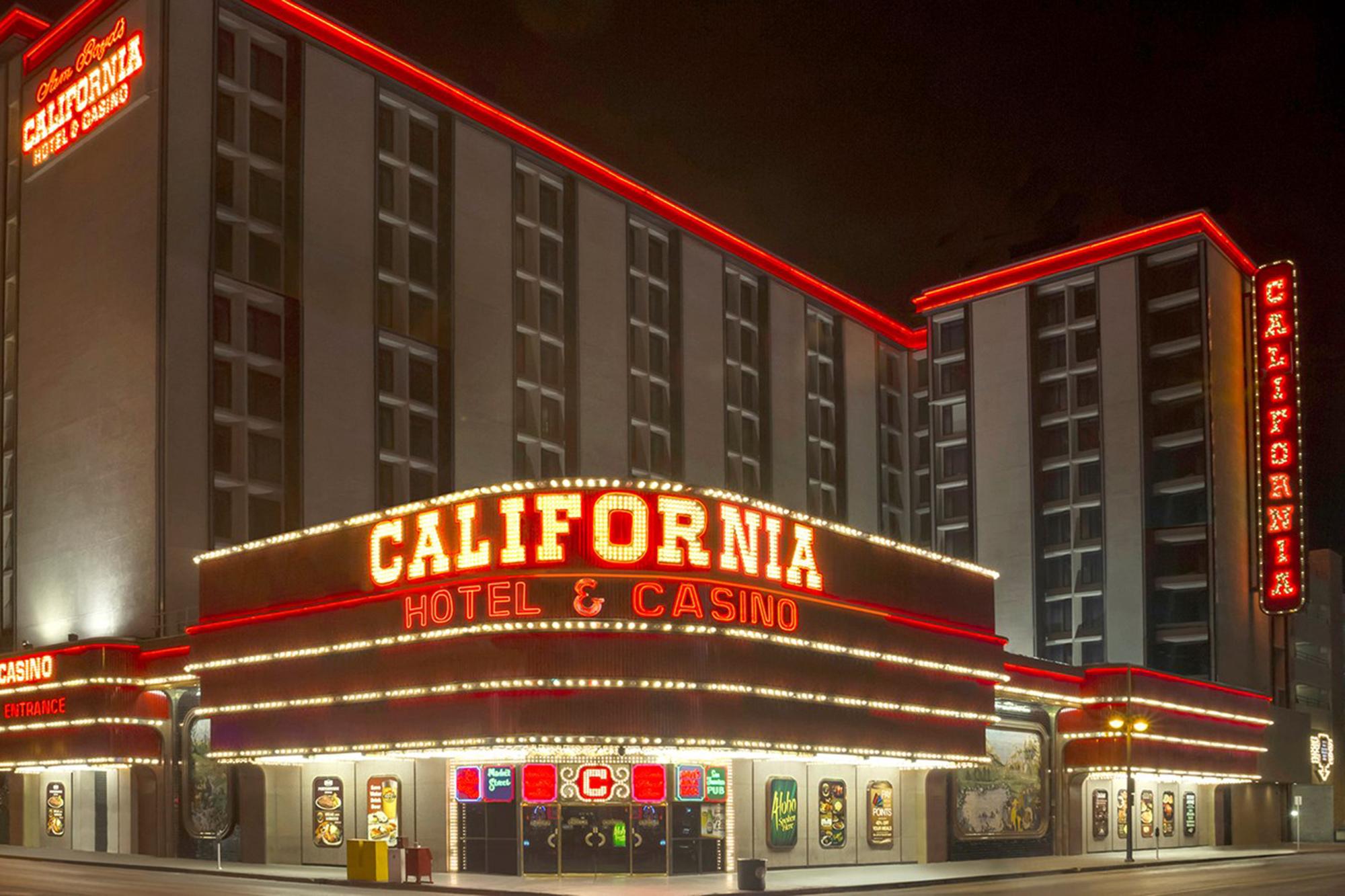 How Las Vegas Became The 9th Island Hawaiians And The California Hotel News Center University Of Nevada Las Vegas