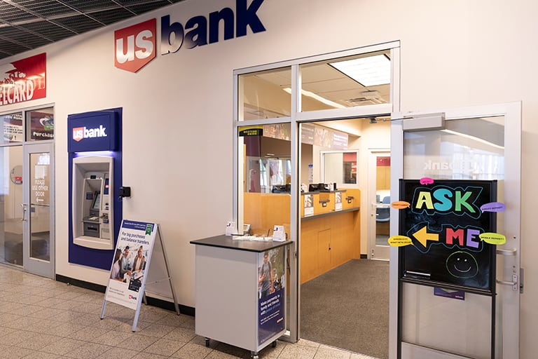 Entrance to U.S. Bank in Student Union