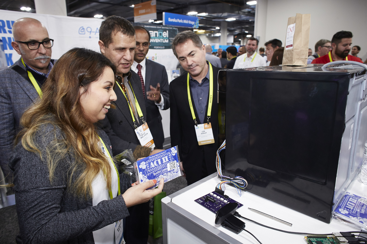 UNLV student showcases smart microwave at CES