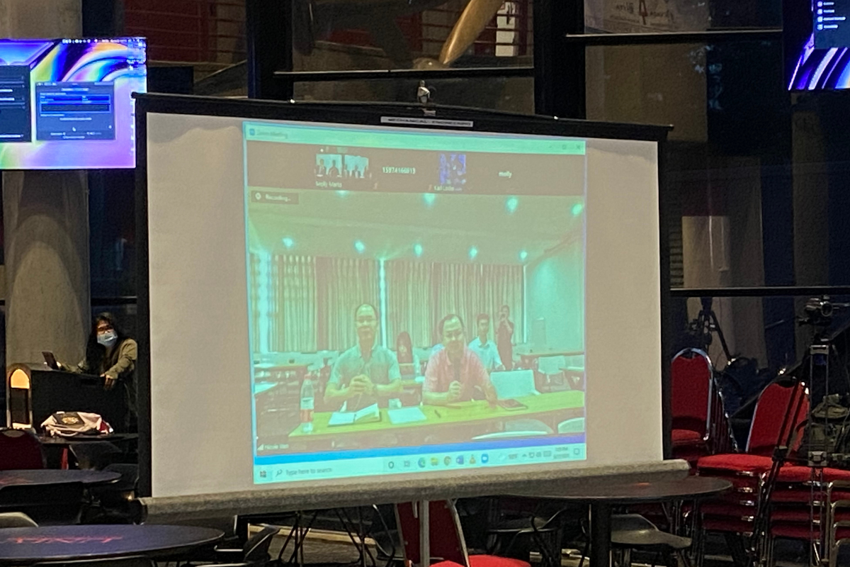 Changsha University students and faculty on large screen