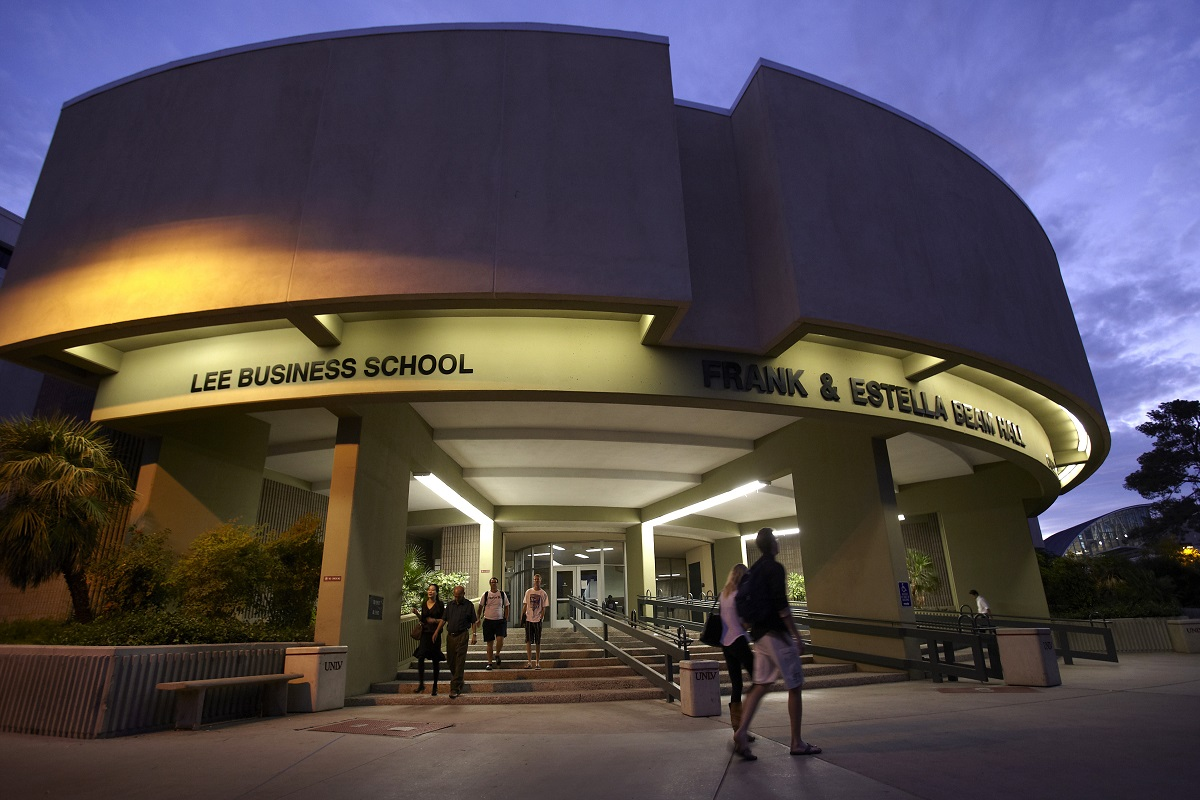 Unlv Lee Business School Mba Program Breaks Top 100 In Us News