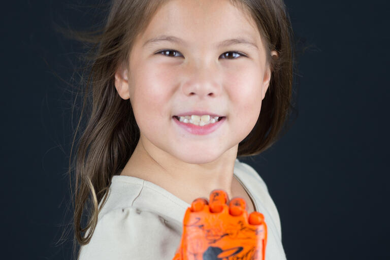girl with robohand
