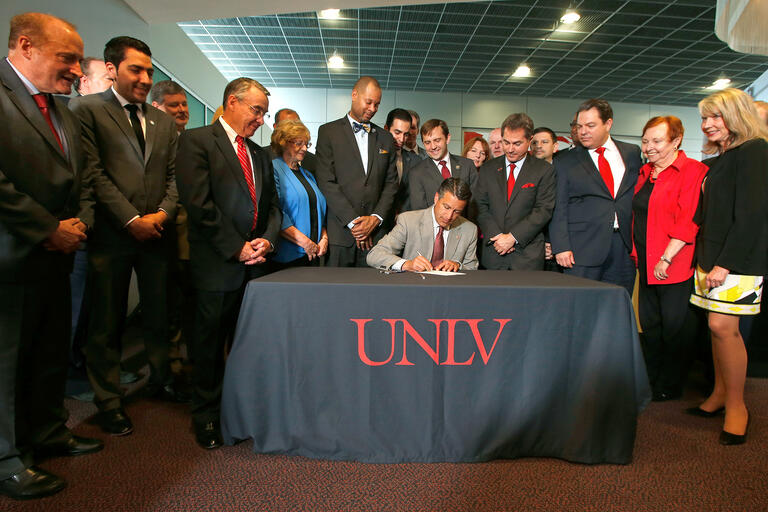 Gov. Brian Sandoval signs Senate Bill 514
