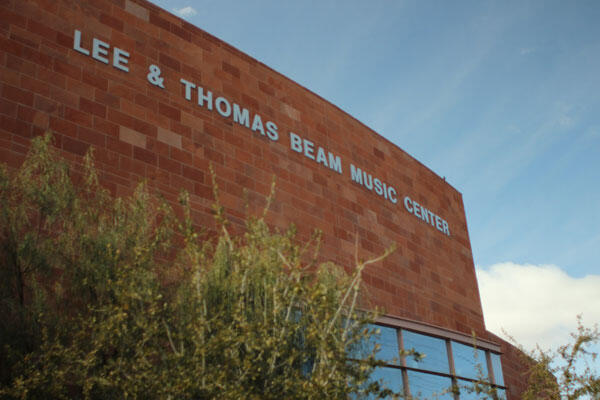 Lee & Thomas Beam Music Center sign