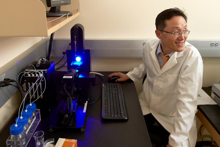 Kwang Kim in research lab