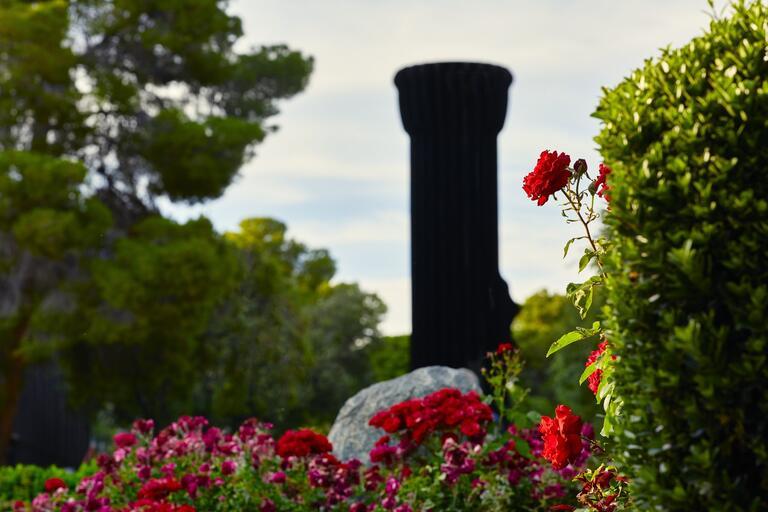 photo of the UNLV flashlight statue