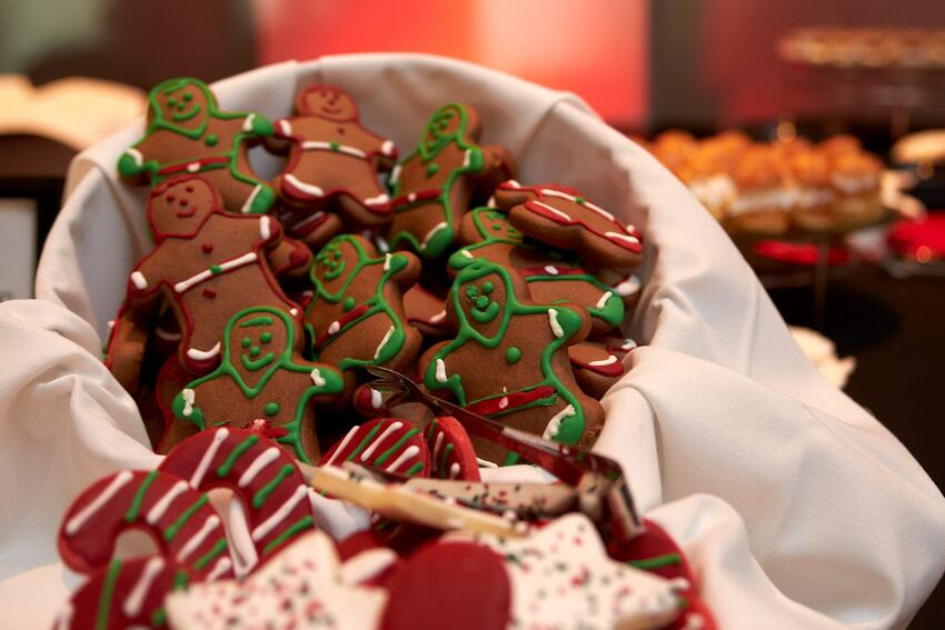 Bowl of gingerbread cookies